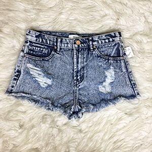 NWT F21 Denim Acid Washed Distressed Fringe Shorts